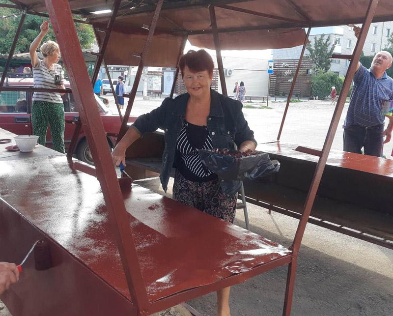 В пригороде Новой Каховки «подмарафетили» рынок – готовятся праздновать